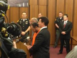Ariel Castro faces the judge, flanked by his attorneys. (Nick Castele / ideastream)
