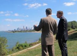 Mayor Jackson and Governor Kasich look out over the Lakeshore area (pic by Brian Bull)