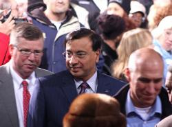 ArcelorMittal CEO Lakshmi Mittal also visited the Cleveland plant today (pic: Brian Bull)