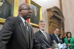 Airport Director Ricky Smith (left) and Mayor Frank Jackson (right) at today's press conference (Photo by Brian Bull)