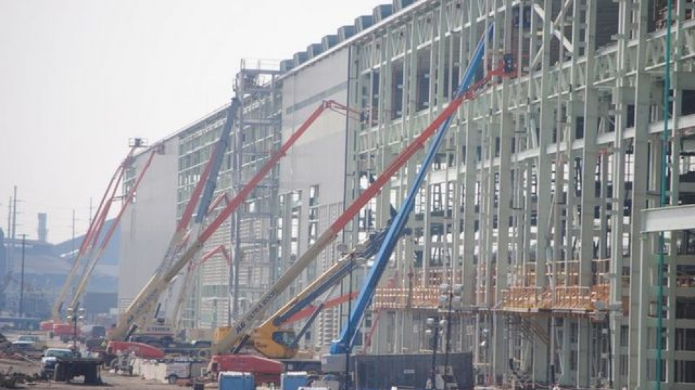 Cranes assemble V&M Star's new pipe plant in Youngstown (photo from V&M Star)