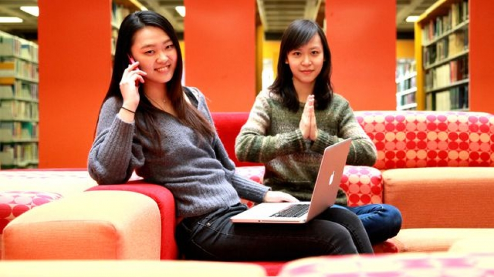 Oberlin students Yinyu Zhan and Lang Xu helped get the Amerikans to China.