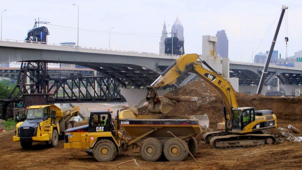 Heavy equipment and operators continue on Innerbelt Replacement Project (pic: Brian Bull)
