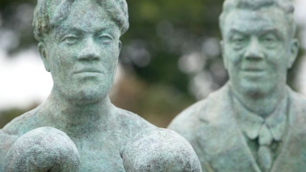 The Johnny Kilbane sculpture features him as both a boxer and a civil servant in his later years. (c) Marianne Mangan