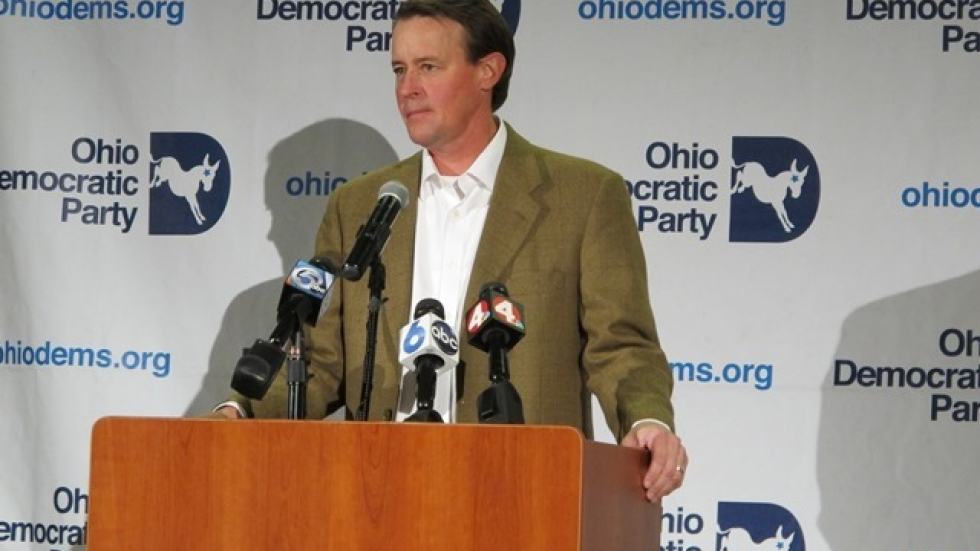 Chris Redfern addresses Democrats after the party's defeat. (Photo: Sarah Ingles)