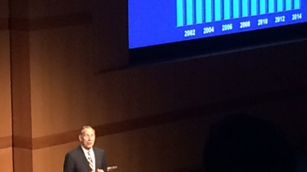 """Cleveland Clinic CEO Dr. Toby Cosgrove delivers the annual """"State of the Clinic"""" address. (Photo by Sarah Jane Tribble)"""