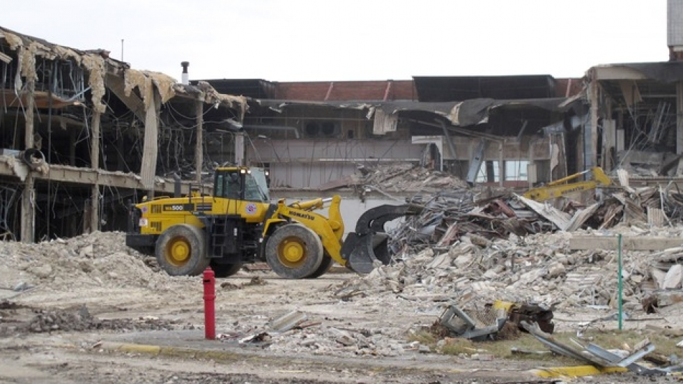Crews demolish Randall Park Mall. (ideastream file photo by Mark Urycki)