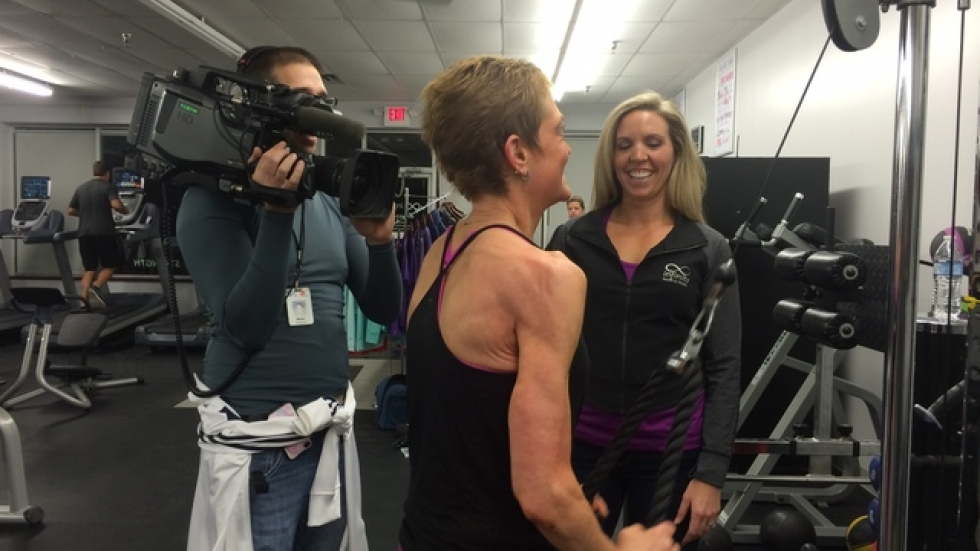 Wendy Kozel working out with Infinity Health & Fitness owner, Kendra Murphy.
