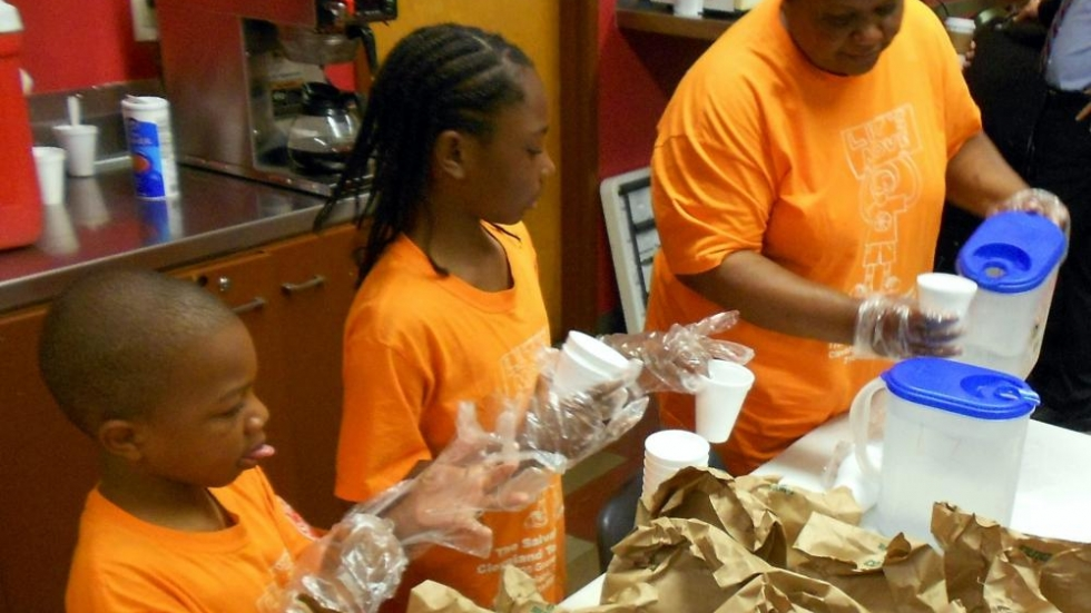 Summer lunch program in Cleveland area (Photo: Brian Bull/ideastream)