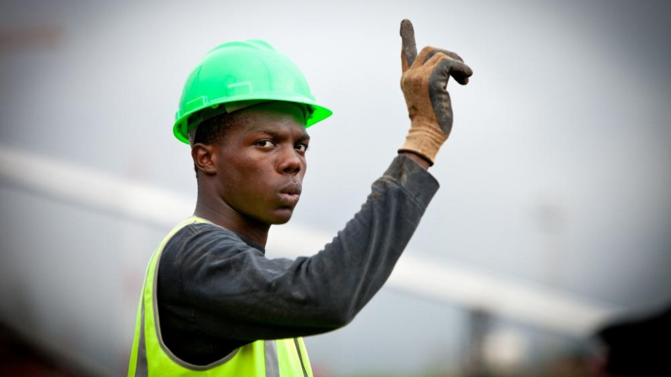 Construction worker (Photo: World Bank Photo Collection/Flickr.com)