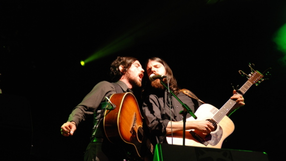 Avett Brothers concerts feature emotionalism and broken strings.
