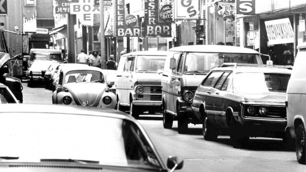 1976 west side of East Fourth Street looking south to Prospect Ave (CSU, Cleveland Press Collection)