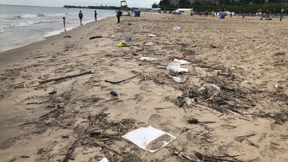 Pieces of trash in the sand at a Lake Michigan Beach [Elizabeth Miller/ideastream]