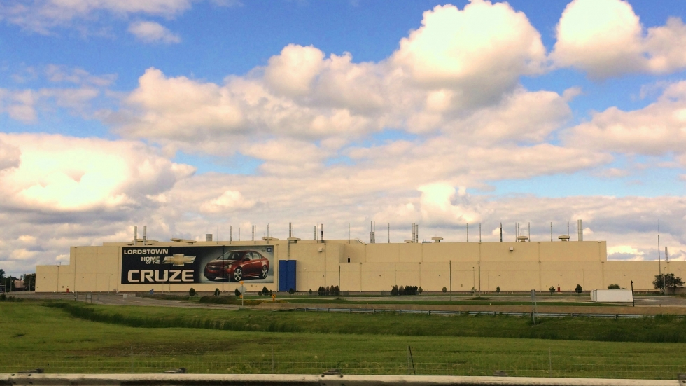 The GM factory in Lordstown advertises the Chevy Cruze produced there.