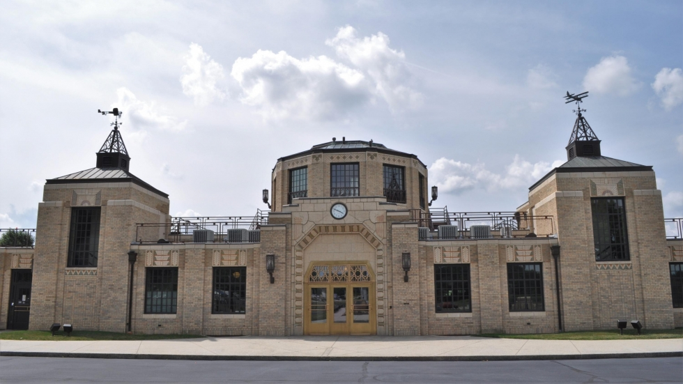 The 1923 Akron Fulton Municipal Airport terminal, now the Theken Terminal [Urycki / ideastream]
