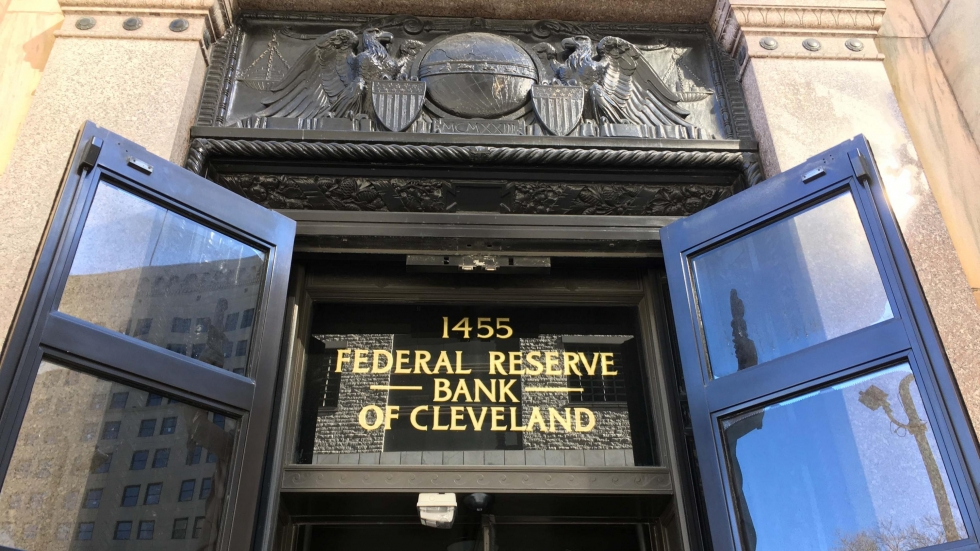 photo of entrance to Federal Reserve Bank of Cleveland