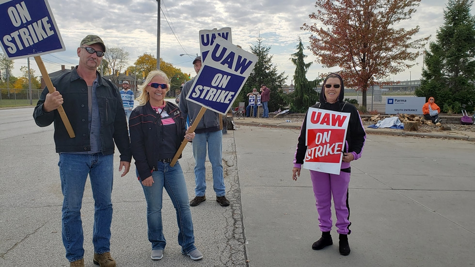 Members of Parma Metal Center's UAW Local 1005 on the picket line