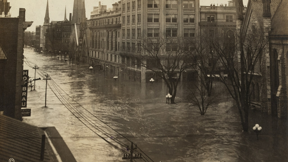 Flood waters on Ludlow Street in downtown Dayton, Ohio, during the great flood of 1913.