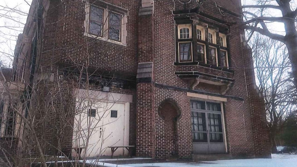 Beaumont School included this photo of Painter Mansion in documents submitted to the planning commission.