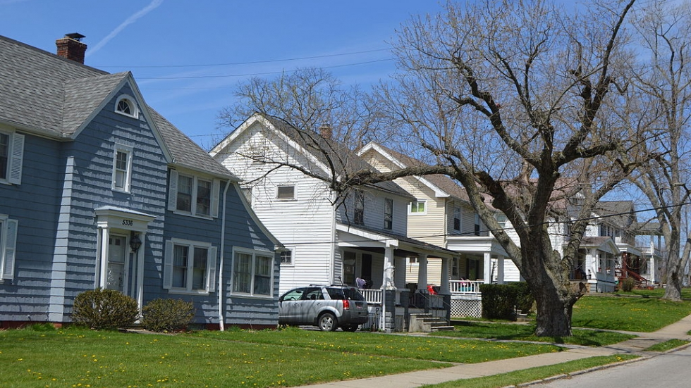 Houses on the western side of Vine Street, at the street's southern end, in Maple Heights, Ohio,