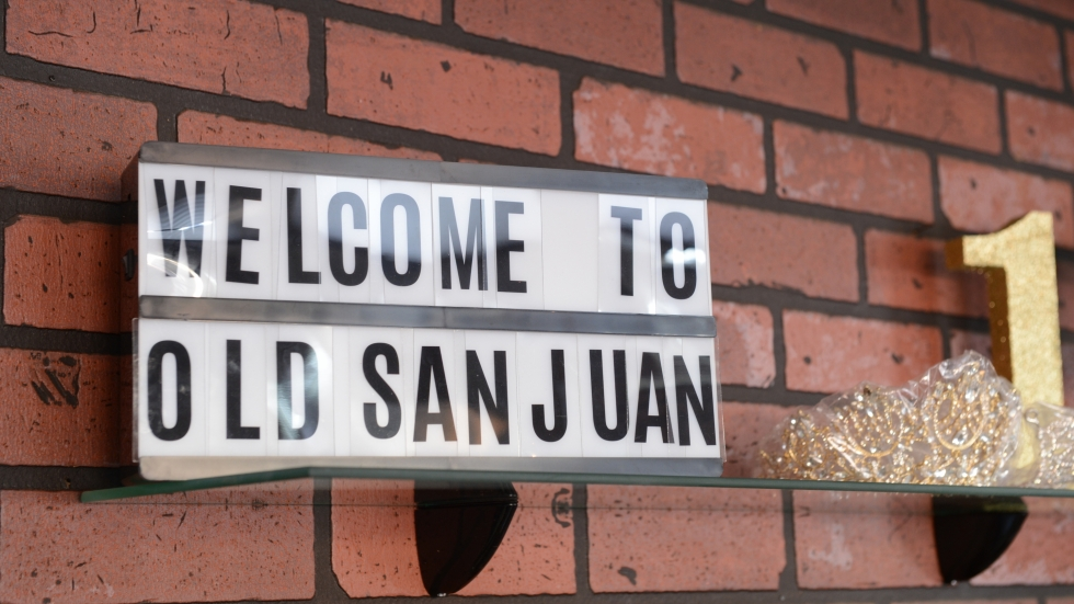 A sign reads 'Welcome to Old San Juan.'