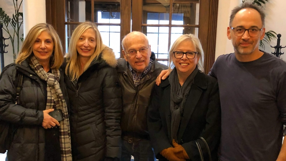 David Wain and sisters Beth Brandon, Cathy Stamler, and Amy Garnitz pose with father Norman in 2018