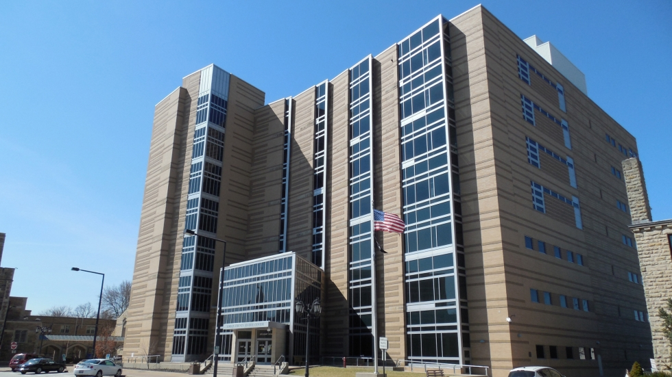 photo of lorain county courthouse