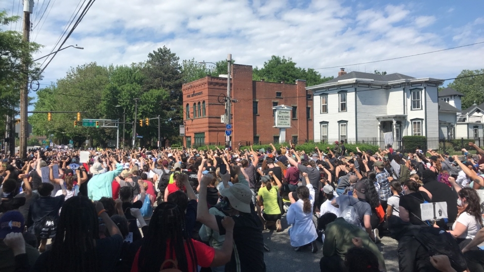 Protesters on Pearl Road in Cleveland. [Lisa Ryan / ideastream]