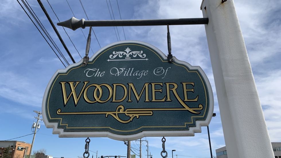 Village of Woodmere sign on Chagrin Road in Ohio