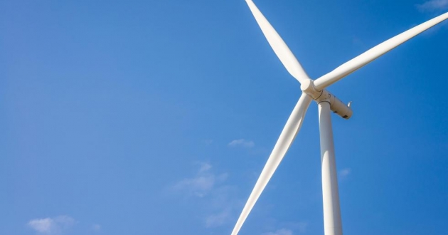 Icebreaker would include six turbines about eight miles off Cleveland's shoreline. [pla2na / Shutterstock]