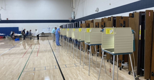 A polling precinct in Hudson, Ohio, midday, during the 2021 primary. [Andrew Meyer / WKSU]