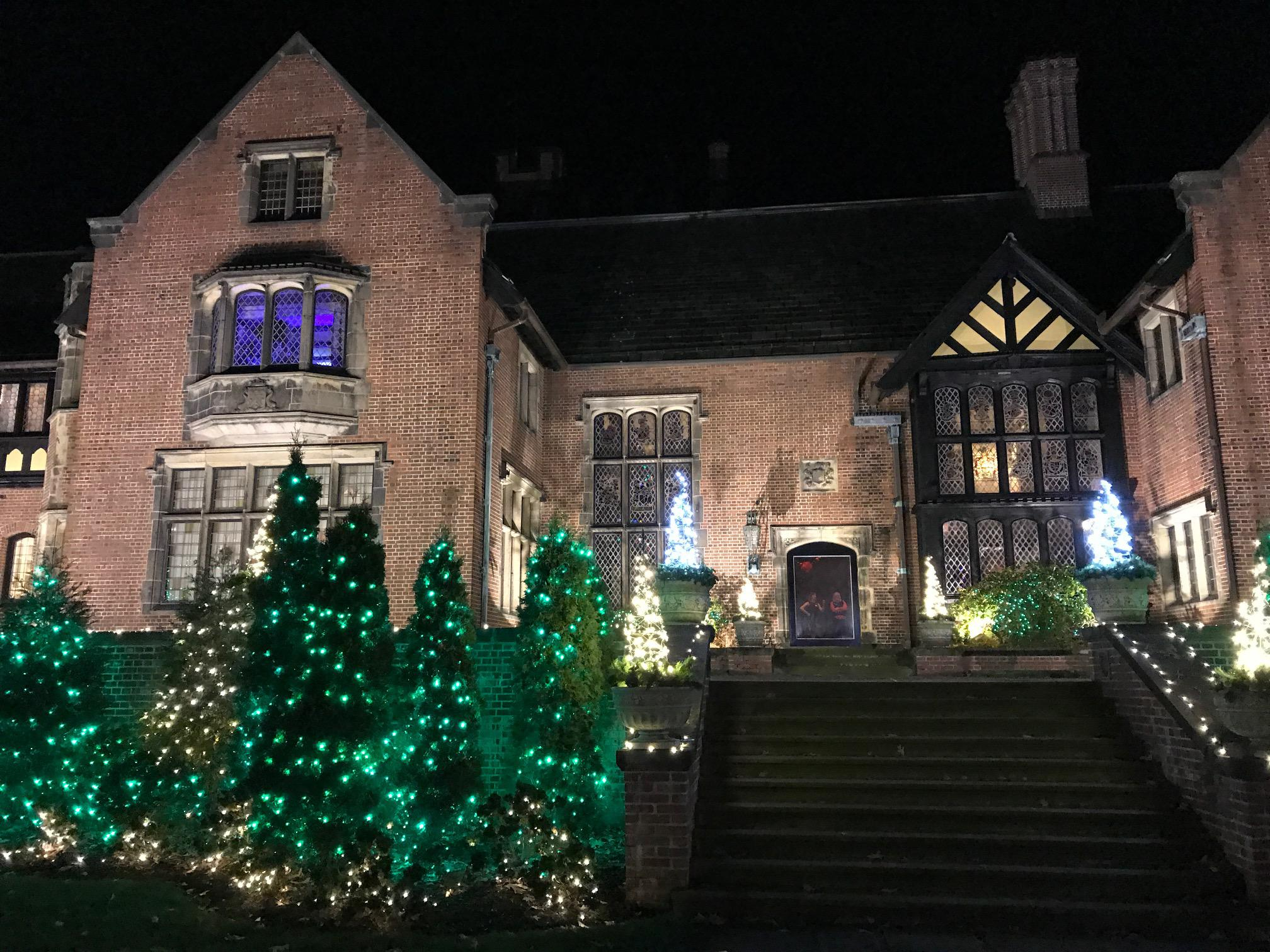 Stan Hywet S Deck The Hall Holiday Event Takes A Classic Comic Book Turn News Ideastream