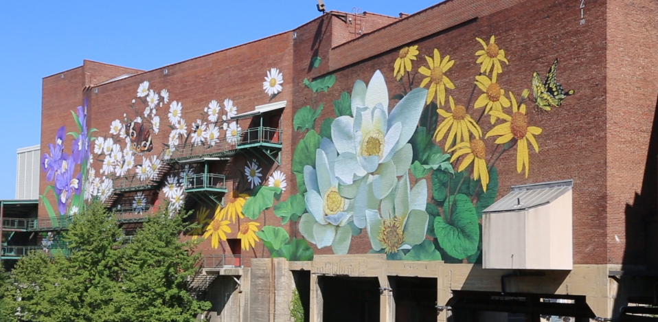 Mural on the Lock 3 side of Akron Civic Theatre