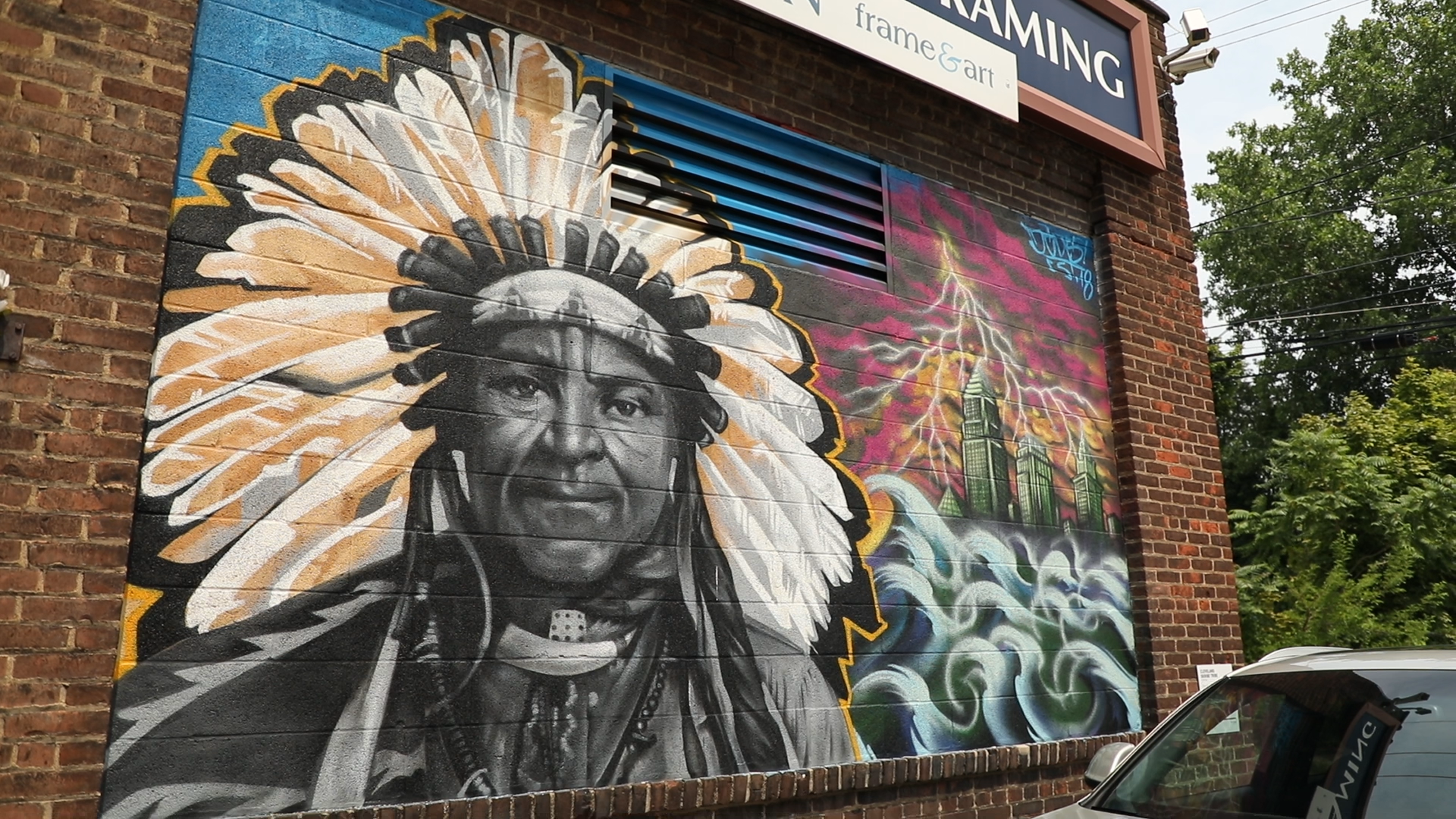 Graffiti artist and his crew return to cleveland to create mural