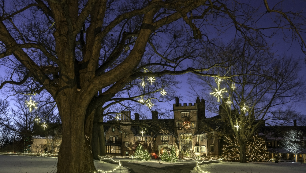 picture of Stan Hywet Manor House at Christmas [Stan Hywet Hall]
