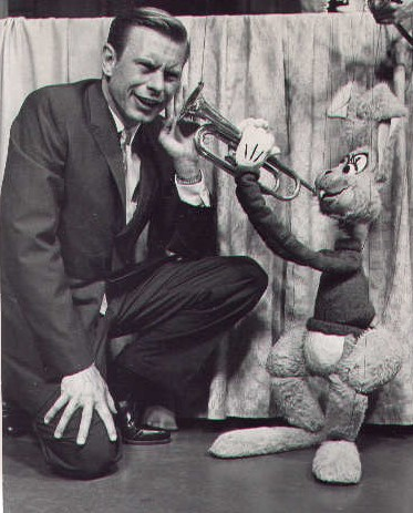 picture of Ron Penfound with puppet playing trumpet in his ear WEWS-TV [Cleveland Public Library/Mike Olszewski]