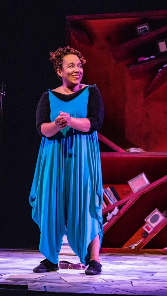 """Picture of Nina Domingue-Glover performing her one-woman show """"Ya Mama"""" at Cleveland Public Theatre [Nina Domingue-Glover]"""